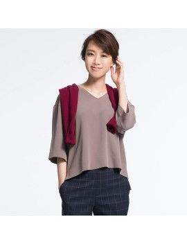 women-drape-half-sleeve-v-neck-blouse by uniqlo  #dress #fashion #trends #onlineshopping #shoptagr