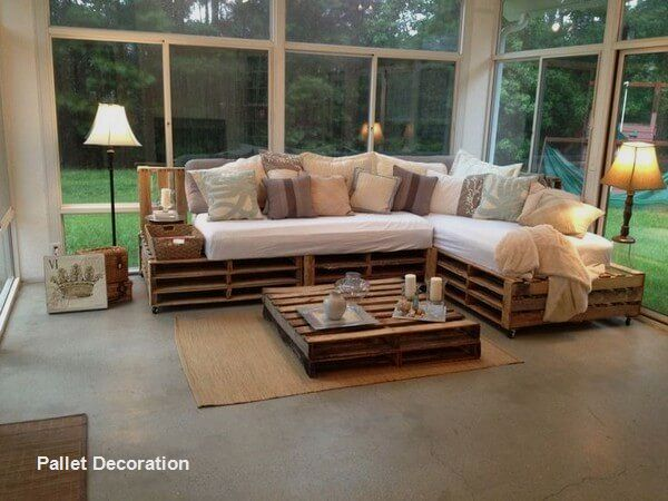 Diy Pallet Couches Palletfurniture In 2020 Pallet Diy New