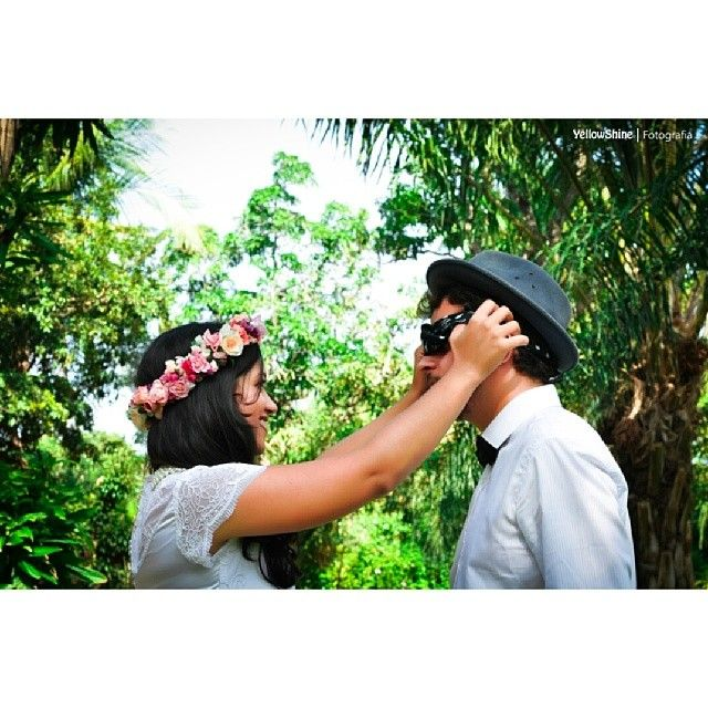 First look do romântico casal @itala_alves e #Ramon, no @jardimperial Inf. : 87055349 ou 99284480 Facebook: Yellowshine @vanessaveida @rafaelapaloma - @yellowshine_fotografia- #webstagram