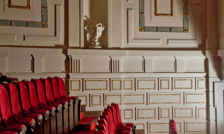 Ceramic wall in Komedia Theater in Warsaw reconstructed by Grzeskiewicz Design Studio
