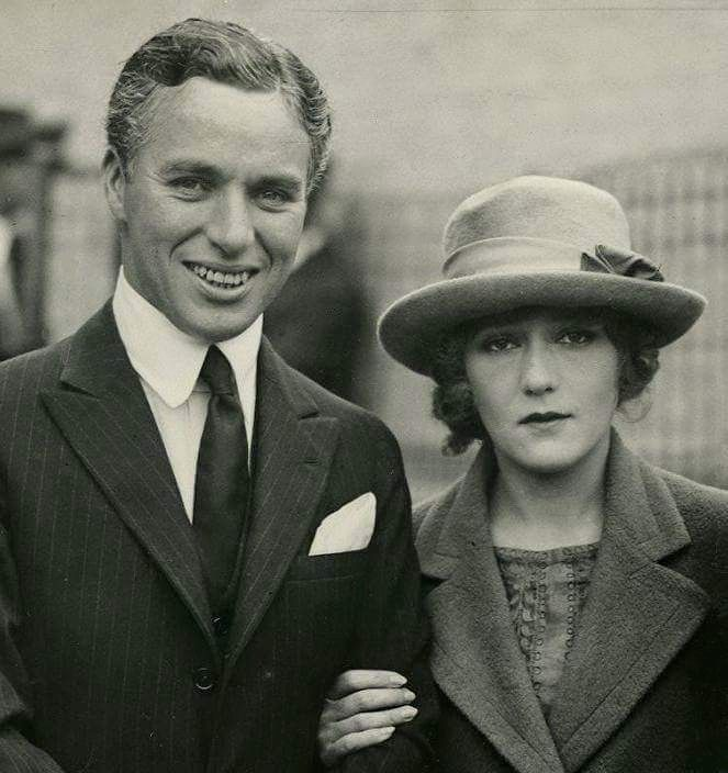 charlie chaplin and mary pickford relationship