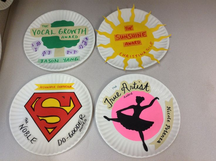 Paper plate awards for choir
