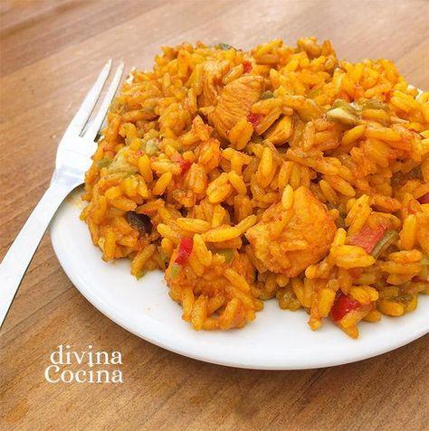 Esta receta de arroz con pollo es muy rápida de preparar porque usamos pollo deshuesado. Completamos el plato con verduritas frescas.