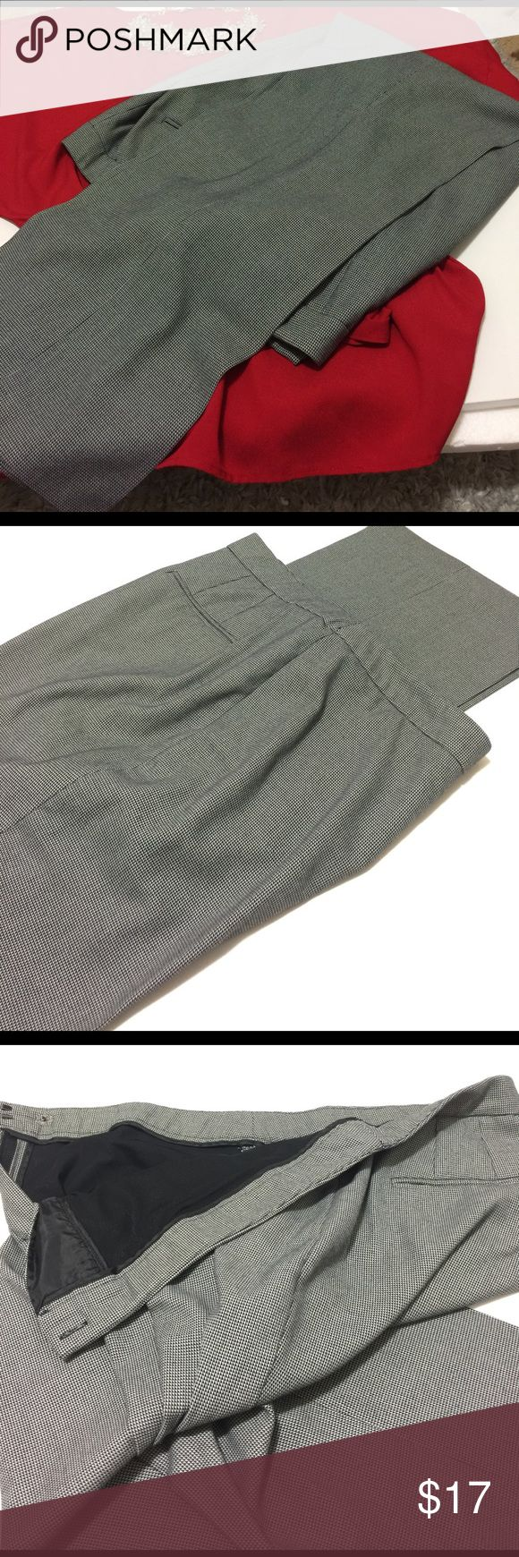 💙Navy & white slacks Navy & white slacks 32 inch inseam. Already dry cleaned, pressed and ready for wear. Perfect for work, very professional look. Dana Buchman Pants Trousers