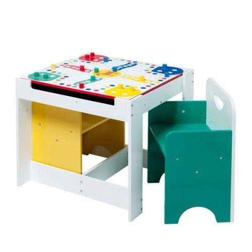 Une jolie table adaptée à l'univers ludique des enfants. Elle possède un plateau amovible avec d'un côté, un joli parcours de jeu de petits chevaux et de l'autre, une face spéciale craie. Un espace de rangement se trouve sous le plateau. Les deux chaises s'encastrent sous la table et permettent de gagner de la place.