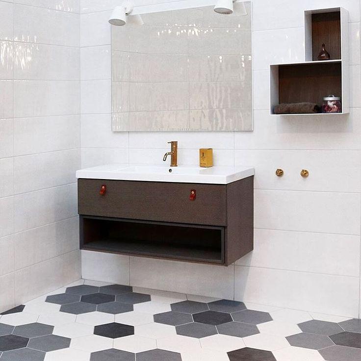 Serie Bahamas på væg og Concret i hexagoner på gulvet