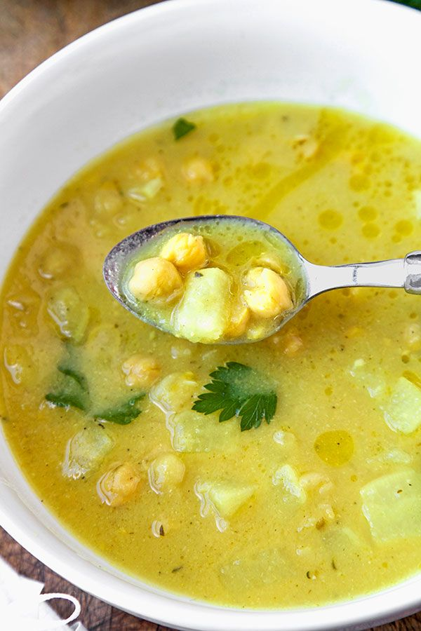 Chickpea, Parsnip And Lemon Soup - This is a savory vegan chickpea, turnip and lemon soup that's both light and comforting! Recipe, soup, vegan, vegetarian, appetizer | pickledplum.com
