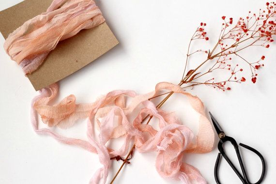 Lazo de seda teñido a mano, Lazo de seda Sari, Seda teñida a mano, Seda reciclada, Lazo de seda melocotón, Invitación boda, Ramo novia