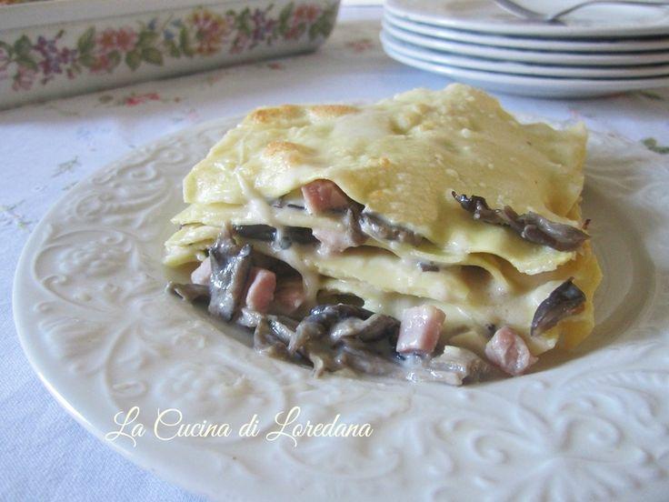 Una gustosa idea per un primo piatto squisito, adatto anche ad un'occasione importante come la tavola delle Feste: Lasagne con i Funghi