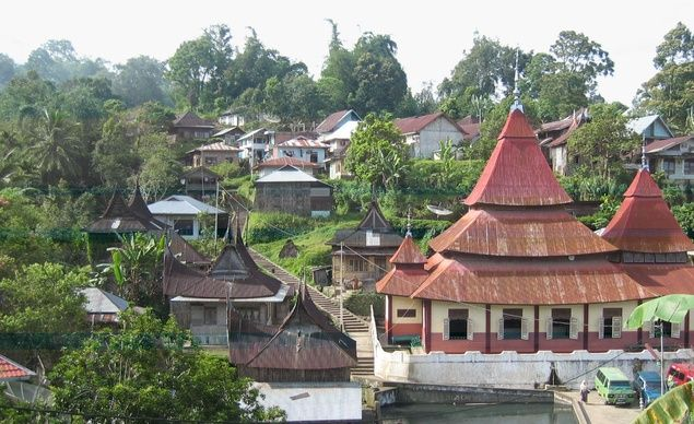 Pariangan in western Sumatra is said to be the oldest—and most culturally significant—village of the Minangkabau people and has numerous well-preserved examples of traditional Minangkabau pointed-roof architecture.