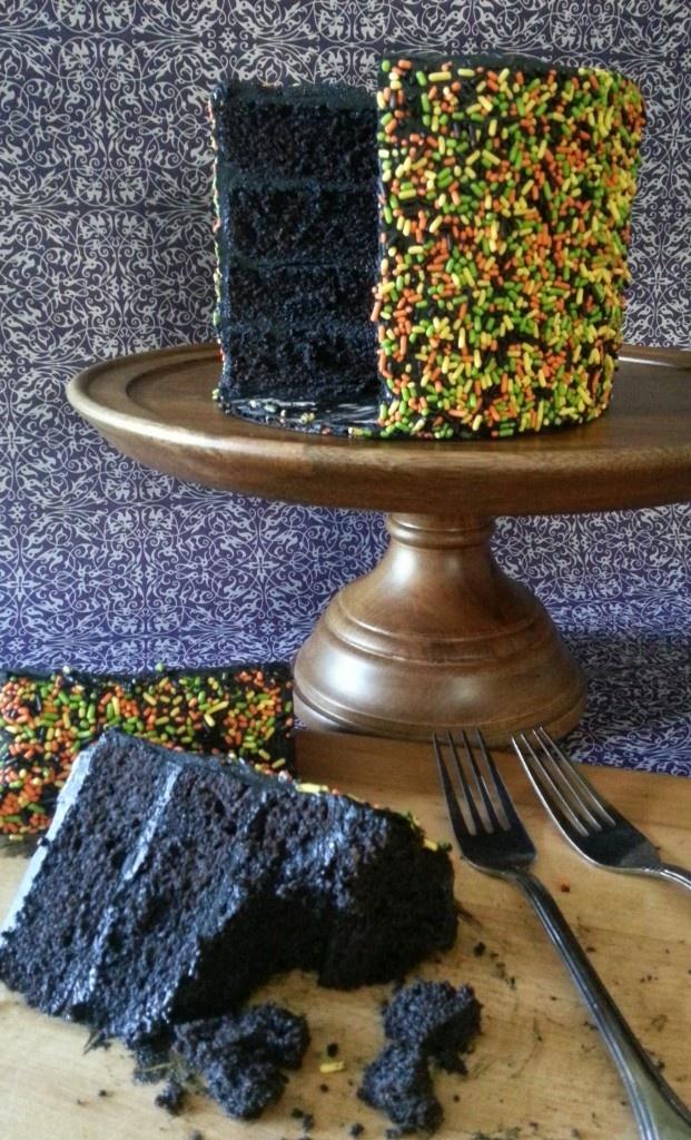 Black Velvet CakeCake Recipe, Black Velvet Cake, Ross Sveback, Baking Cake, Cakes Desserts Sweets, Food Coloring, Eating, Black Velvet Recipe, Halloween