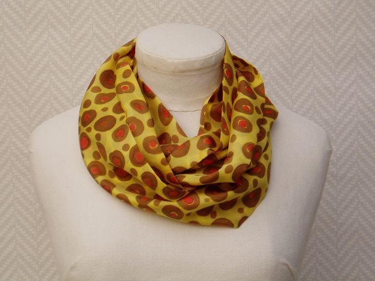 """Echarpe, snood, foulard en soie jaune moutarde, marron rouge peint main """"Mon léopard"""" : Echarpe, foulard, cravate par toutensoie"""