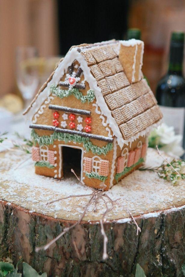 gingerbread house wedding table decoration log | Eshott Hall Wedding Photography | Vanessa Adams. Photography with heart