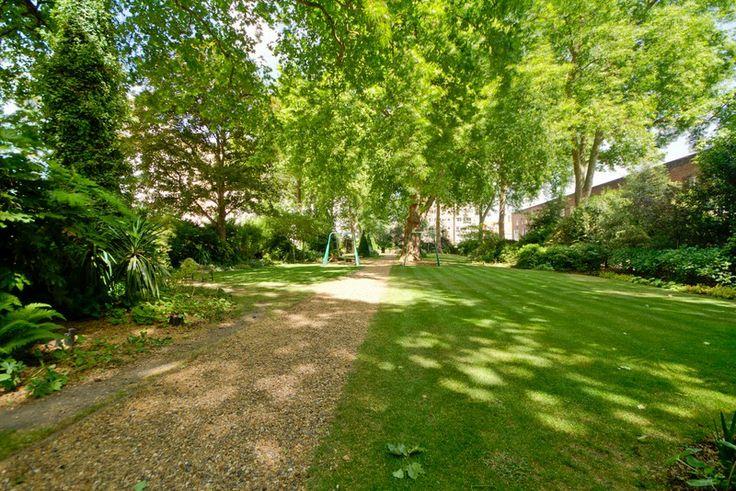 Hyde Park Square London W2 #cutlerandbond #londonproperty #gardensquares