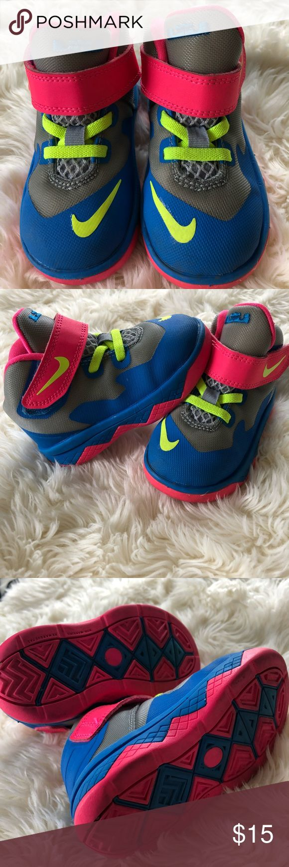 Toddler Nike Shoes Adorable toddler Nike Shoes. Preloved but still in great condition! Size 6c. Nike Shoes Sneakers http://feedproxy.google.com/fashiongo/wyRV