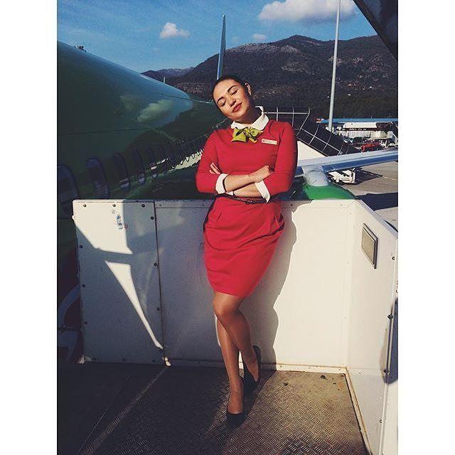 Пригрелась на солнышкемогу пригреться на груди #стюардесса #хочувотпуск #рептилия #зимахолода #работа #stewardess #cabincrewlife #tivat : @_anna_novoselova