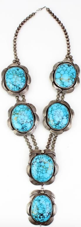 Beautiful old Navajo ladies necklace in sterling
