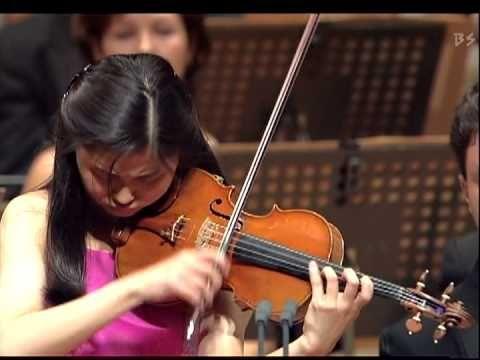 """Shoji Sayaka Plays Paganini : 24 Caprices No.17 """"Sostenuto"""""""