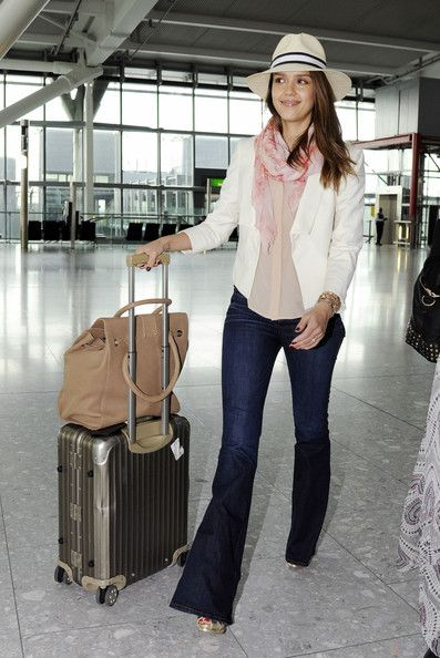 #jessica alba travel chic  Blazer blouse #2dayslook #Blazer blouse style #Blazerfashionblouse  www.2dayslook.com