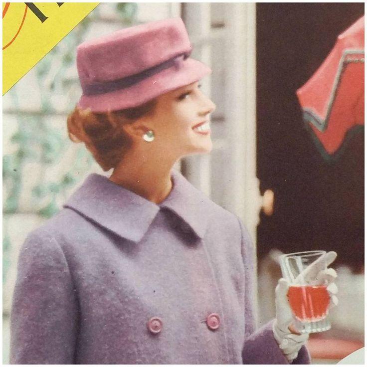 Me Naiset -lehden mainos marraskuun 1957 Viikkosanomissa #1957 #syksy #autumn #nostalgia