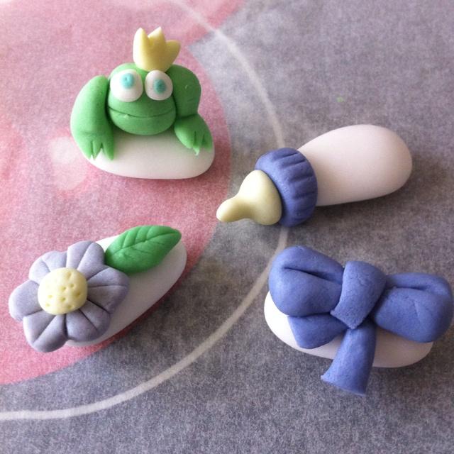 I miei confetti decorati con pasta di zucchero! Per ogni occasione!!
