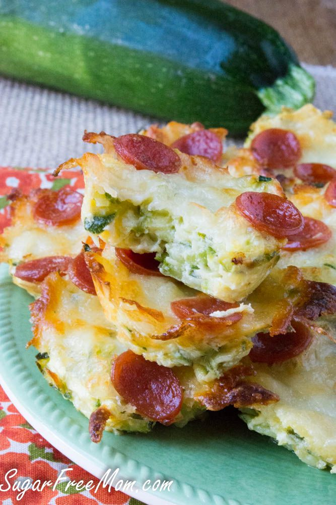 Min Zucchini Pizza Bites, grain free, low carb, gluten free \ sugarfreemom.com