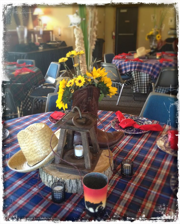 Cowboy Cowgirl Wedding Ideas: Awesome Country Western Themed Centerpieces And Table