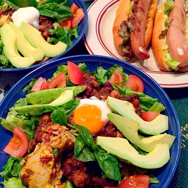 昨日のチリコンカンを使ってタコライス風にしてみました! 豆いっぱい、アボカドいっぱいで本当に美味しい( ̄ー ̄)bグッ!! - 77件のもぐもぐ - 野菜たっぷりメキシカン! by かず