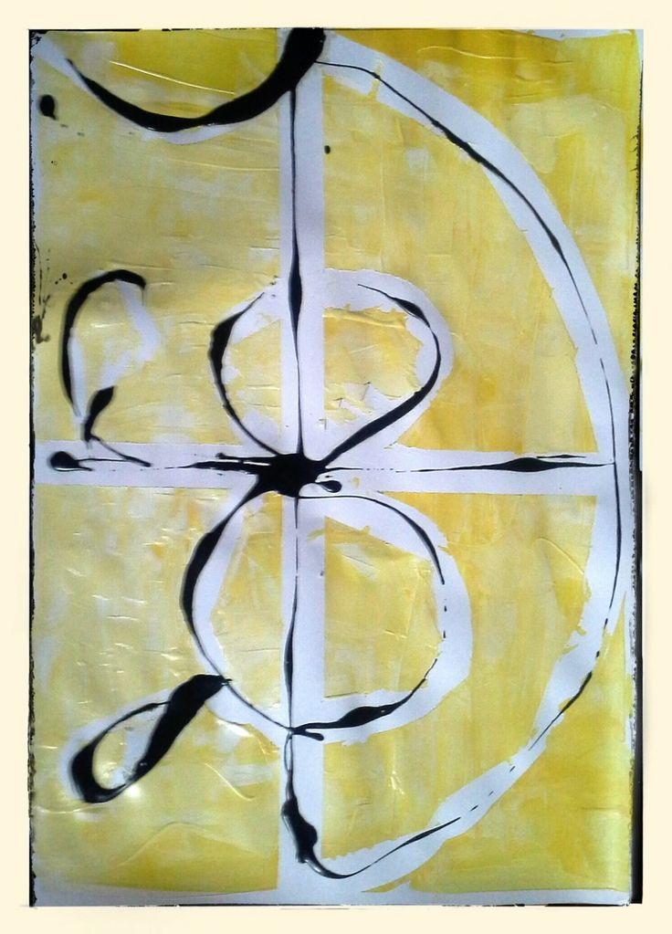 Weiter mit Gelb arbeiten: Ein anderes Symbol mit Farbe gießen. Das Gelb wird heller, mehr Weiß dazu. Kreuz, Unendlichkeits-Acht und Schale...  #acryl #dufthuhn.de