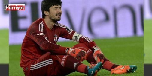 """İsyan etti! Artık burada kalamam...: Beşiktaş'ın Astra ile oynadığı ve 3-1 kaybettiği hazırlık maçında yediği gollerin ardından taraftarların kendisini ıslıklamasına ve """"Fabri"""" diye tezahürat yapmasına içerlenen Tolga Zengin'in yöneticilere """"Sezon sonunda burada kalmam imkansız"""" dediği öğrenildi."""