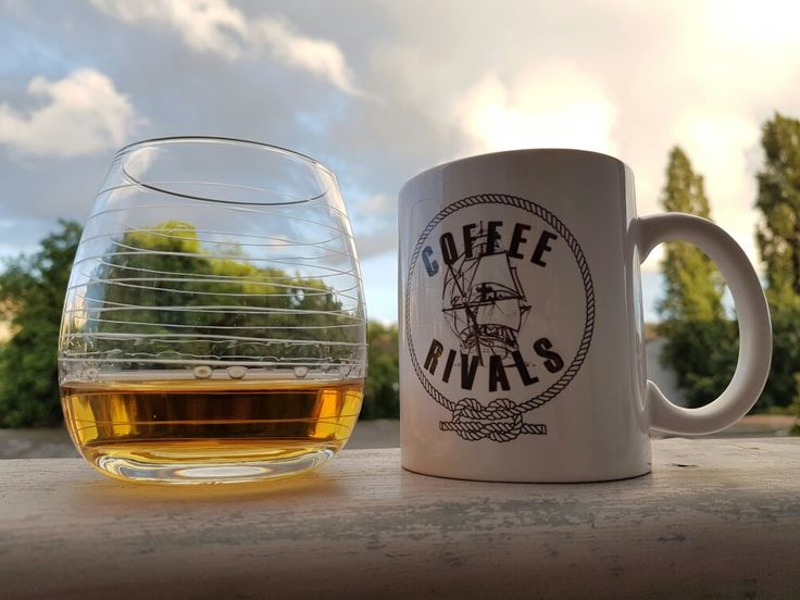 Finish up the #weekend with a #combination of #whisky and #coffee. #loveit #sunday #coffeerivals #sunnyevening #lifeisgood #zondag #koffie #koffiemoment