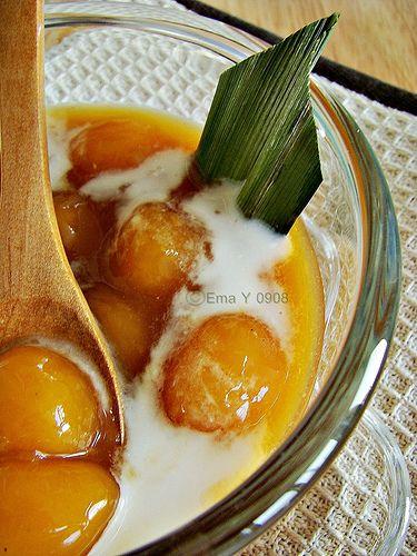 Kolak biji salak- Seeds of snake fruit in sweet soup- served cold. indonesian food