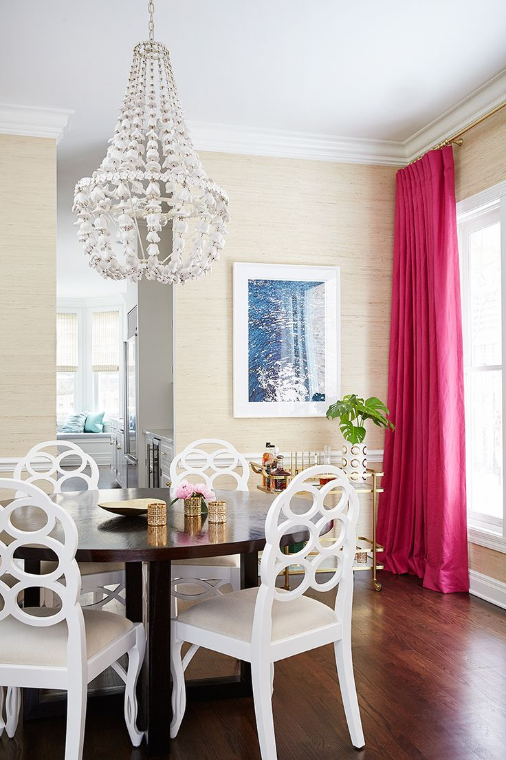glam dining room, chandelier, hot pink curtains, wallpaper
