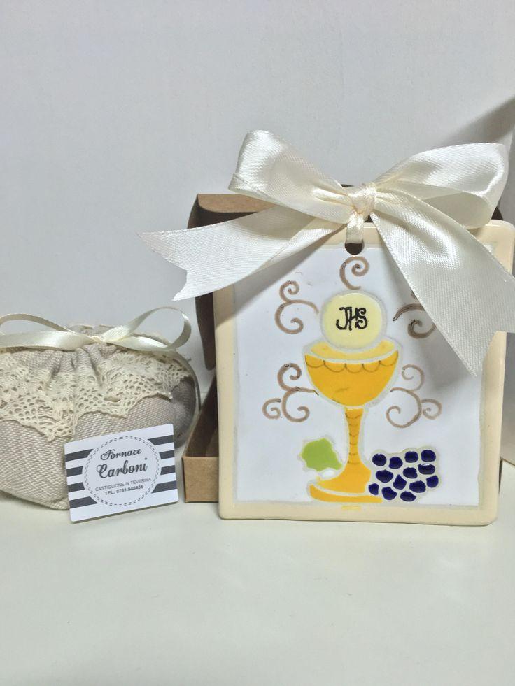 Bomboniera mattonella quadro da appendere in ceramica per Comunione con calice, ostia e uva in cori a smalto. Originale, fatto a Mano italia