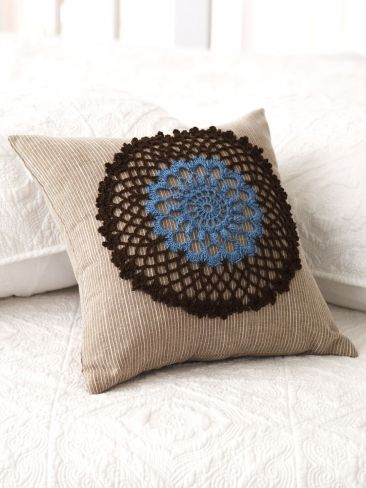 FREE PATTERN - Crochet Thread / Doily Pillow Yarn Crochet Patterns ...
