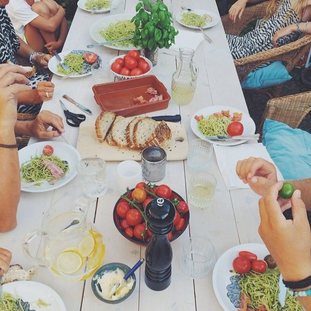 Instagram photo by @malinwikerberg (Malin Wikerberg) | Iconosquare  bord med grova plankor