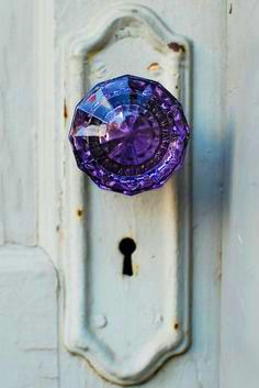 i love old doorknobs & i love this mystical version of an old doorknob