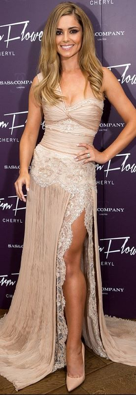 cheryl cole Who made Cheryl Coles one shoulder nude lace gown? ...Now go forth and share that BOW & DIAMOND style ppl! ;-) xx