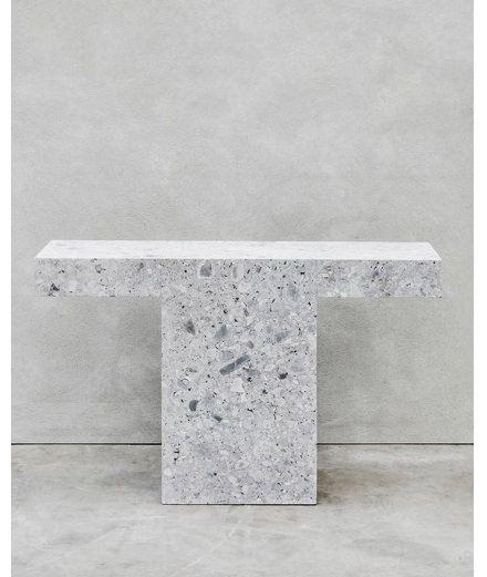 Joseph Dirand fusionne avec brio architecture et design pour sa très réussie première collection | Numéro Magazine