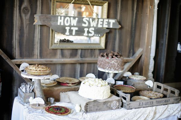 How sweet it is....to be loved by you: Sweet Tables, Cakes Tables, Country Wedding, Desserts Bar, Wedding Cakes, Desert Table, Cakes Stands, Fall Wedding, Desserts Tables