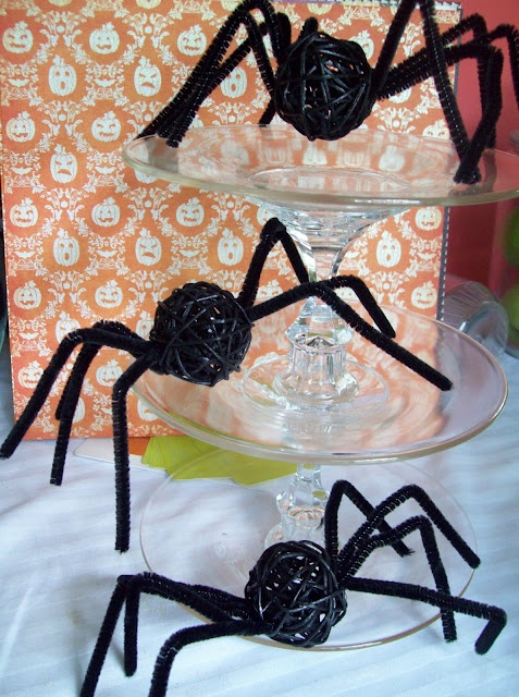 Halloween Spiders ~ made from pipe cleaners and rattan balls from Dollar Tree