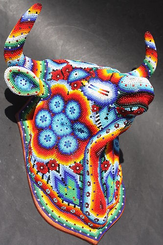 BIG HUICHOL BULL HEAD MEXICAN ETHNIC ART ANIMAL FIGURE HOME WALL HANGING DECOR
