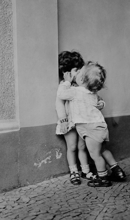 photography  Black and White  kiss  kids