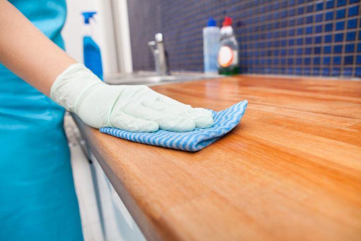 Welke klusjes in de keuken moet je dagelijks doen en welke wekelijks? Hier vind je een handig schoonmaakschema om je keuken schoon te houden!