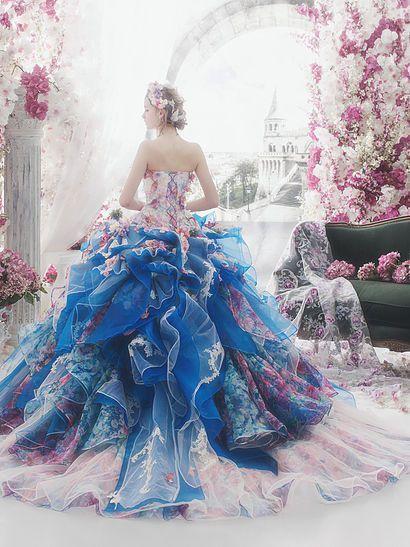 """Tullediärer: """"Prinsessan värdiga promklänningar som definierar kunglig elegans ..."""