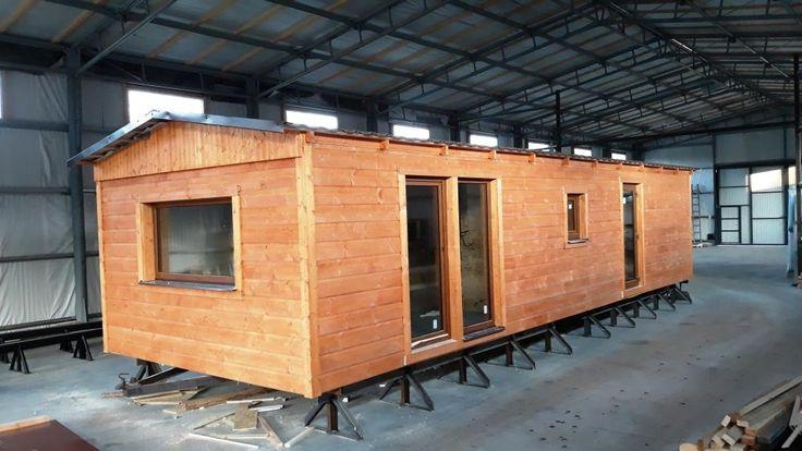 Další námi celoročně zateplený mobilní dům (mobilheim), tentokrát ve dřevěném provedení, těsně před dokončením a cestou ke svému majiteli. Další informace o tom, jak zateplujeme mobilní domy naleznete na http://www.mobilnidum.eu/mobilni-domy-celorocni/