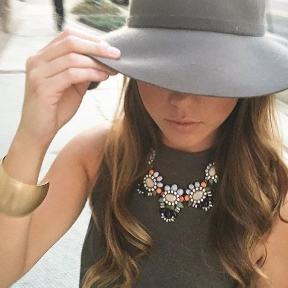 The Shiny Bauble Jewelry - NWT Emily Bloom Statement Necklace