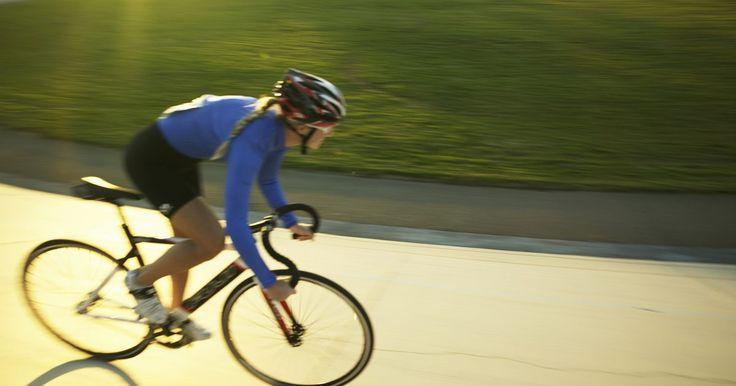Cómo calcular el tamaño de rueda para una computadora de ciclismo Sigma. Muchos ciclistas utilizan computadoras Sigma para medir la velocidad, la distancia y el ritmo cardíaco mientras usan sus bicicletas. Al igual que la mayoría de computadoras para ciclismo, las unidades Sigma emplean la circunferencia de la rueda para determinar la velocidad y distancia, y requieren que las configures para un tamaño de cada rueda ...