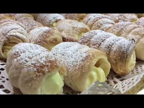 CANNOLI CON CREMA CHANTILLY -TUTTI A TAVOLA - YouTube