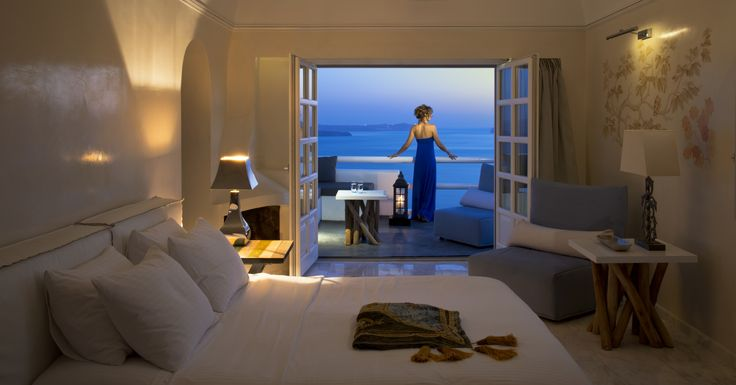 Gaze the #AegeanSea right from your #suite! #ArtMaisons #Santorini #Privacy